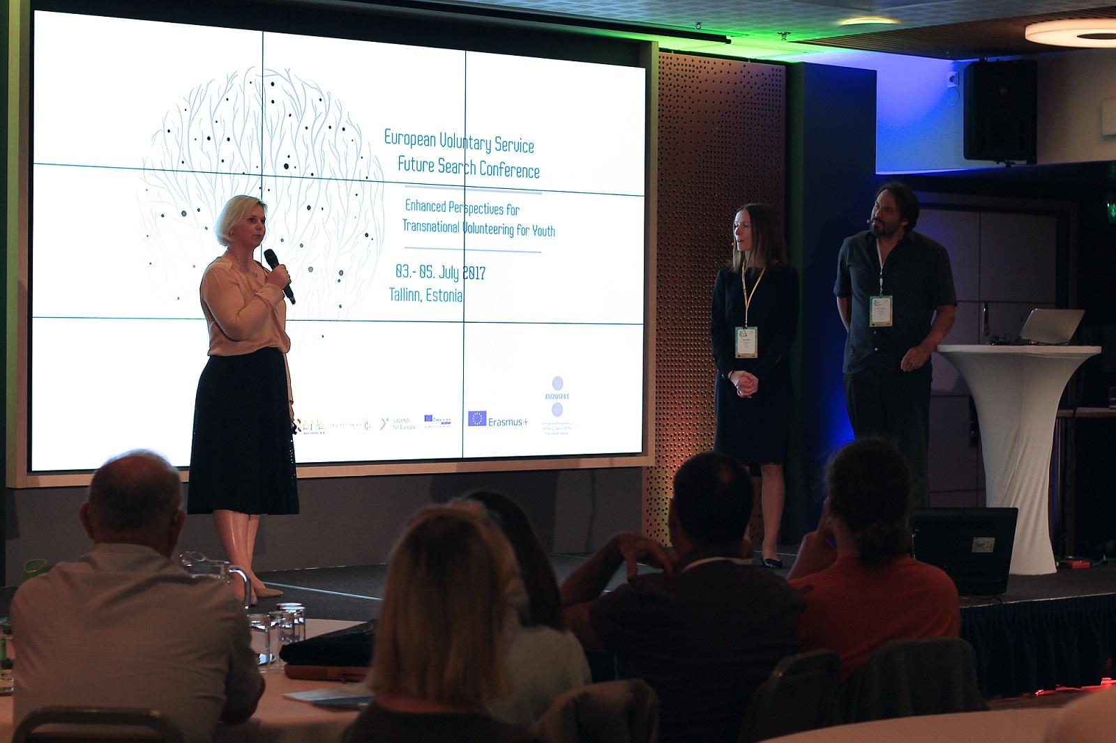 Konverentsi korraldaja, SA Archimedese noorteagentuuri juht Reet Kost tervitas osalejaid. Foto autor: Regina Rähn (SA Archimedes)